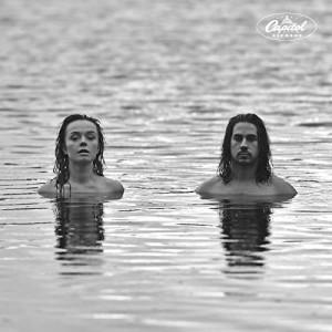 EVA & MANU-IN THE WOODS